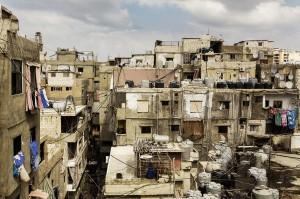 Das große Flüchtlingslager Schatila gleicht einem großen Slum.