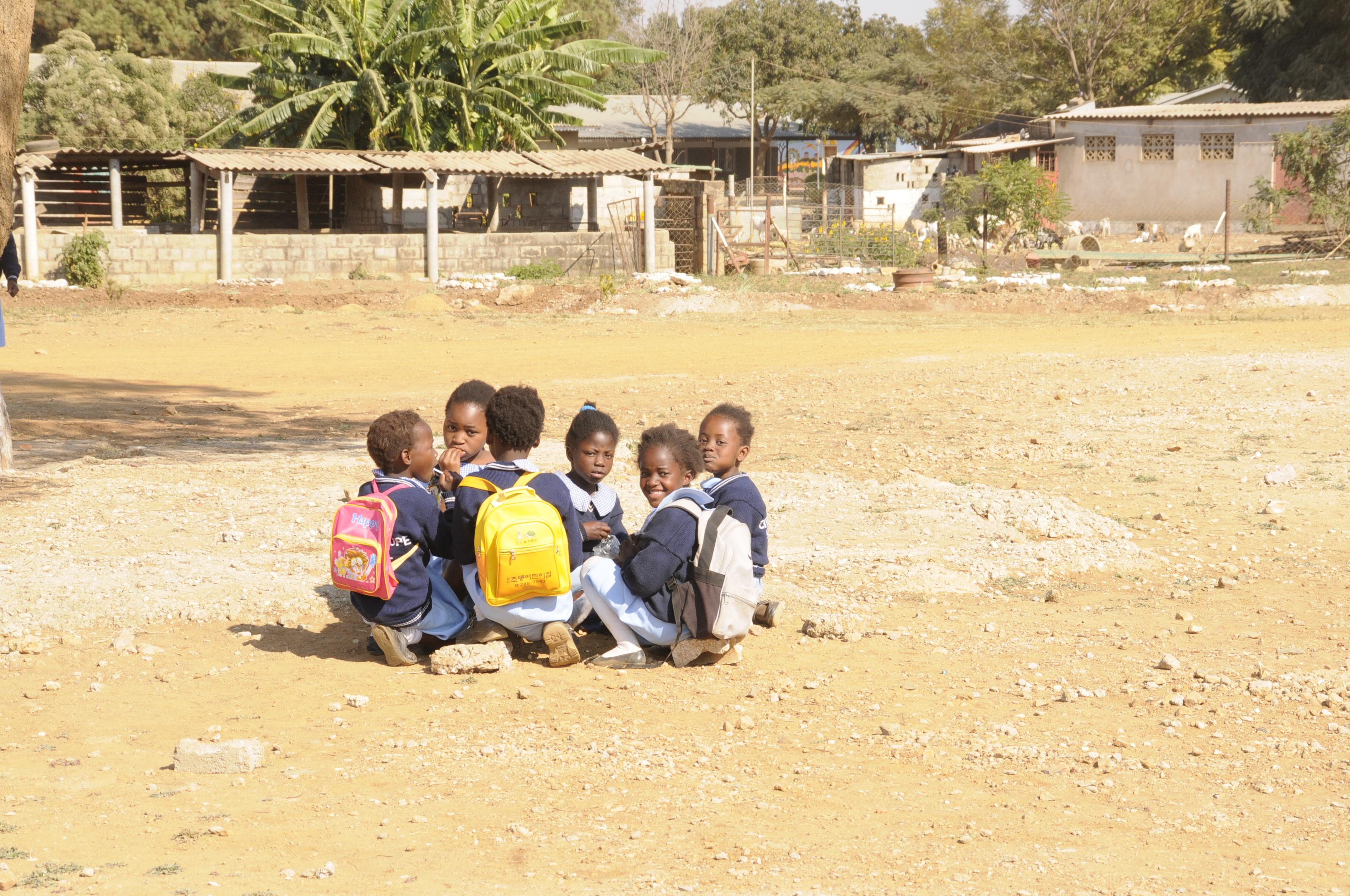 Magdalena in Lesotho ... Sambia (2)