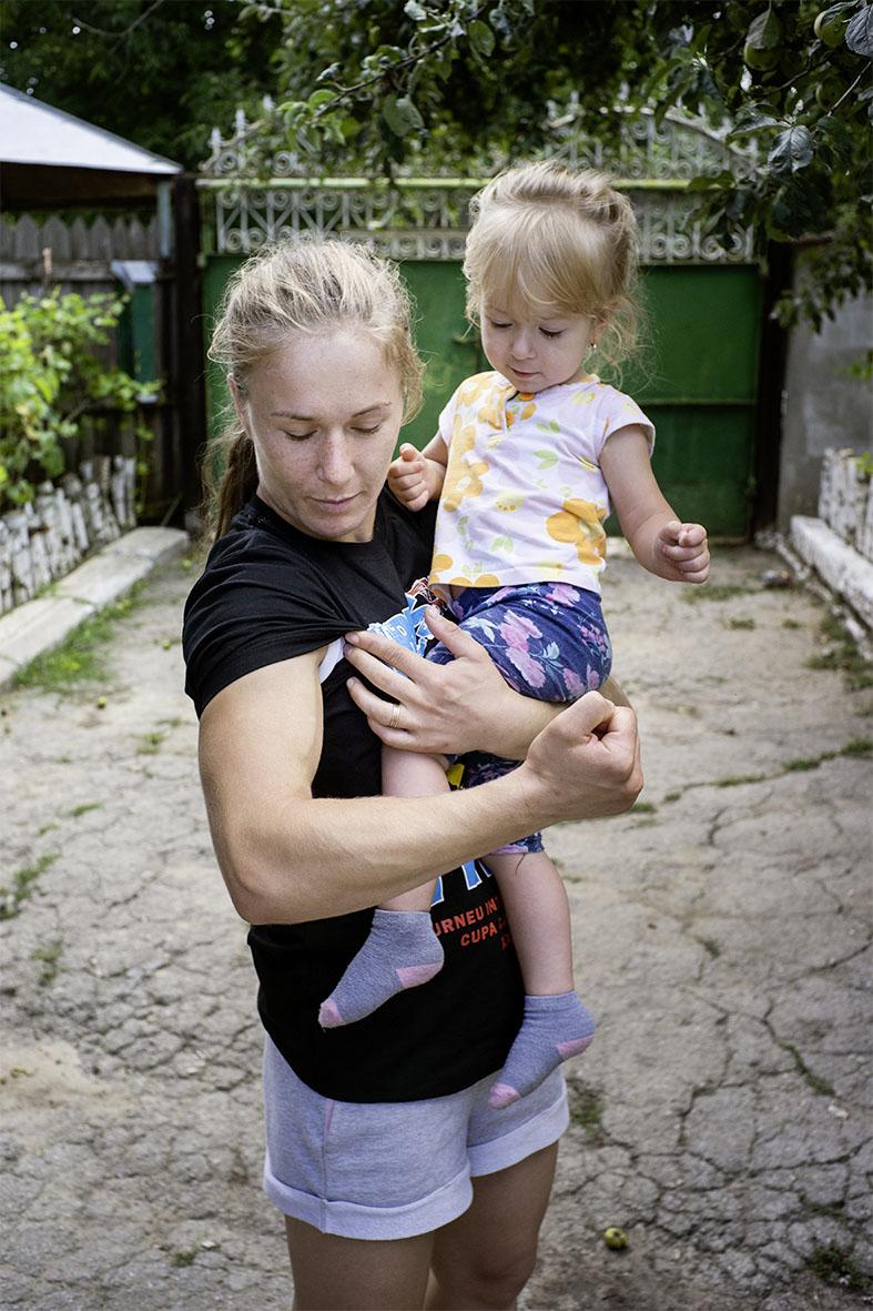Mariana Cherdivara mit ihrer Tochter