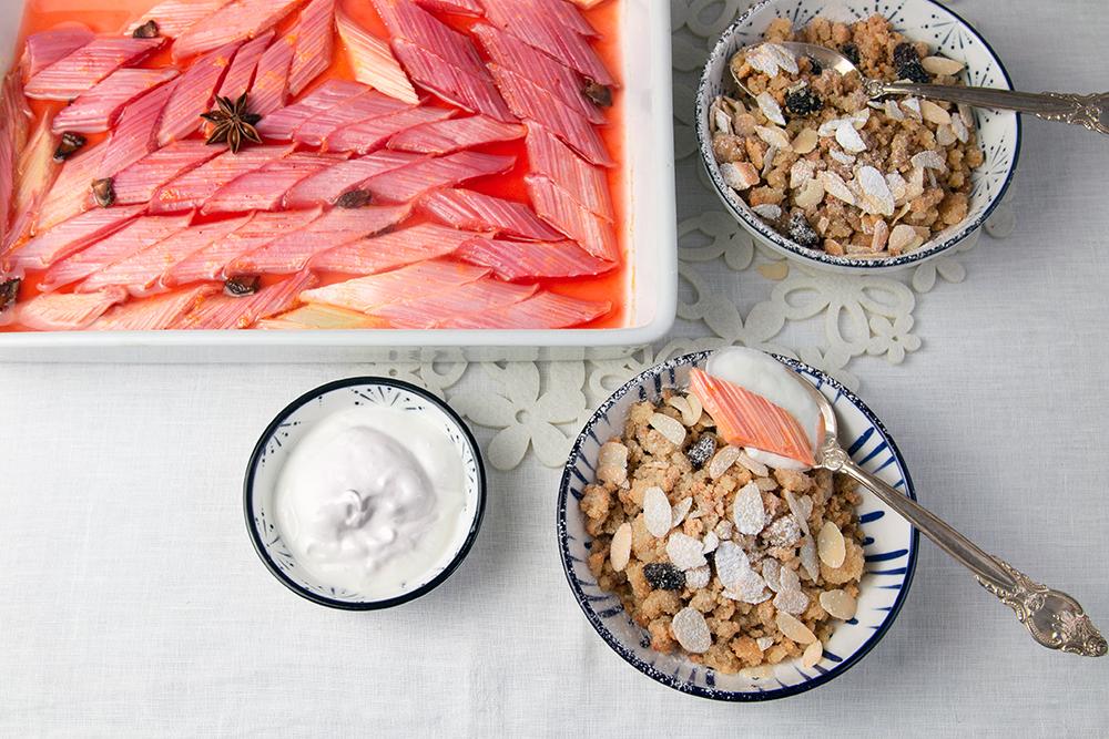 Grießschmarren mit gebackenem Rhabarber