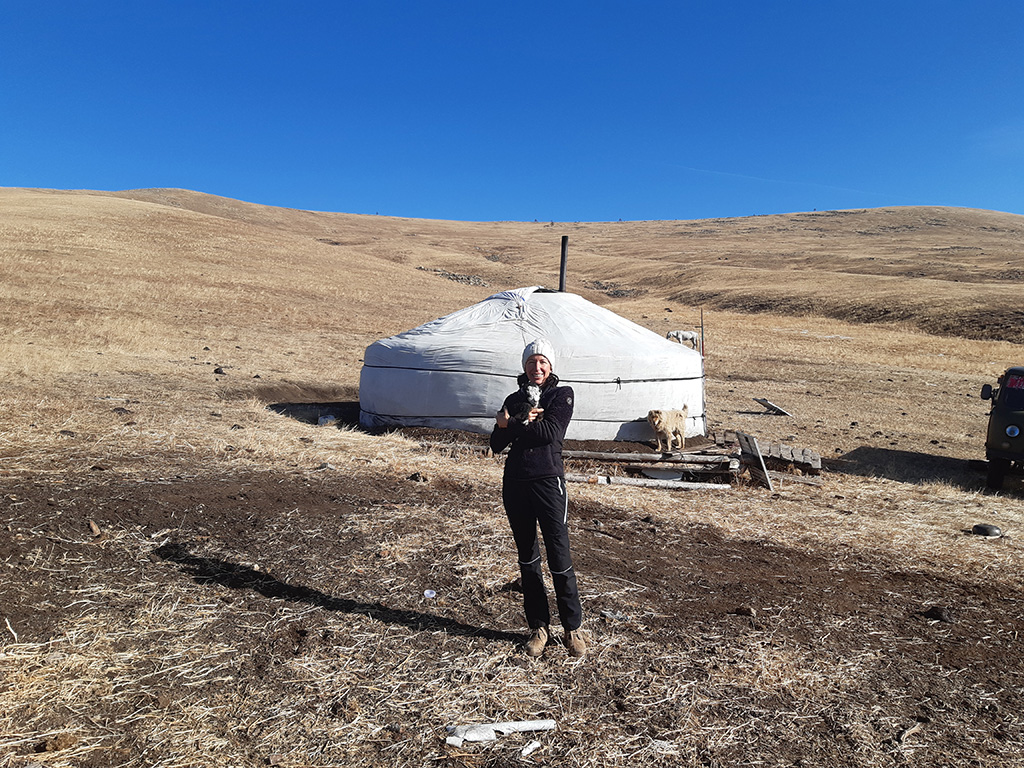 Natalie Halla in der mongolischen Taiga