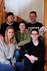 Alexandra Huber mit ihrer Familie