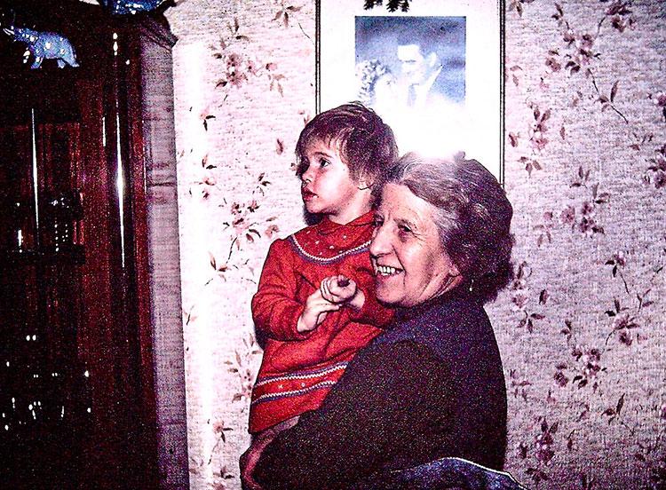 Christa Prameshuber: Tante Toni und der Schwindel mit der Liebe